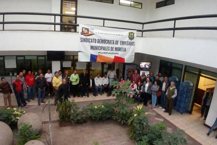 Empleados del ayuntamiento toman oficinas for Oficinas del ayuntamiento