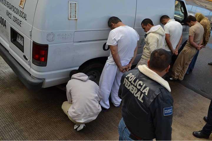 Trasladan A 6 Reos A Cefereso De Ocampo Guanajuato